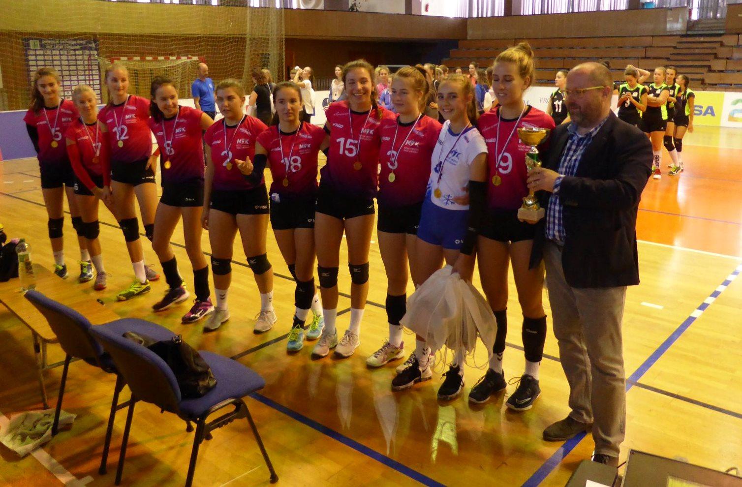 """Volejbalový turnaj ,,O pohár župana TTSK"""""""