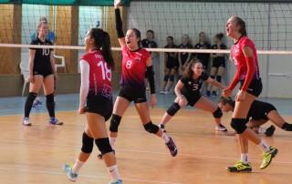 volejbal juniorky MVK v Pezinku